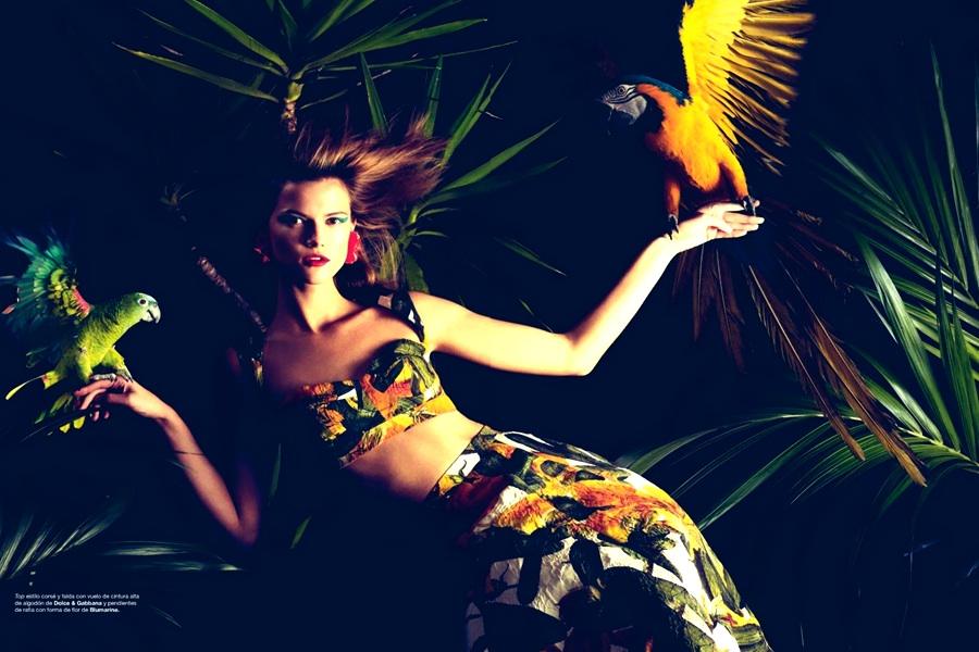 la modella mafia Kasia Struss x Harper's Bazaar Spain February 2012 photographed by Nico 4